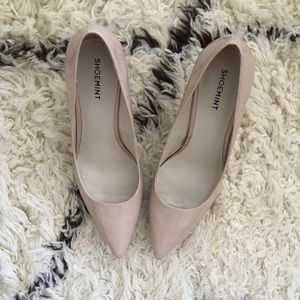 Classic Nude Pump by Shoemint